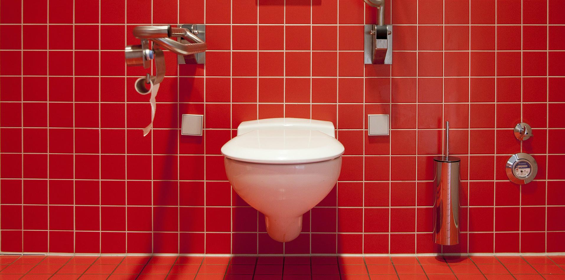 9-toilet-cleaning-hacks-that-work-2020